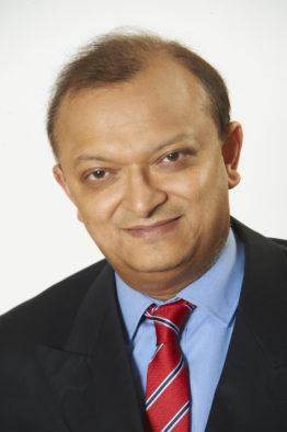 Prof Amit Tolat Consultant Orthopaedic Surgeon