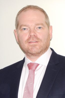 Mr Howard Cottam Consultant Orthopaedic Surgeon