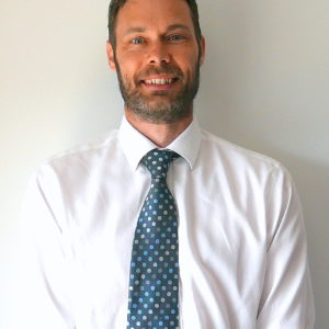 Mr Daniel Neen Consultant Orthopaedic Surgeon